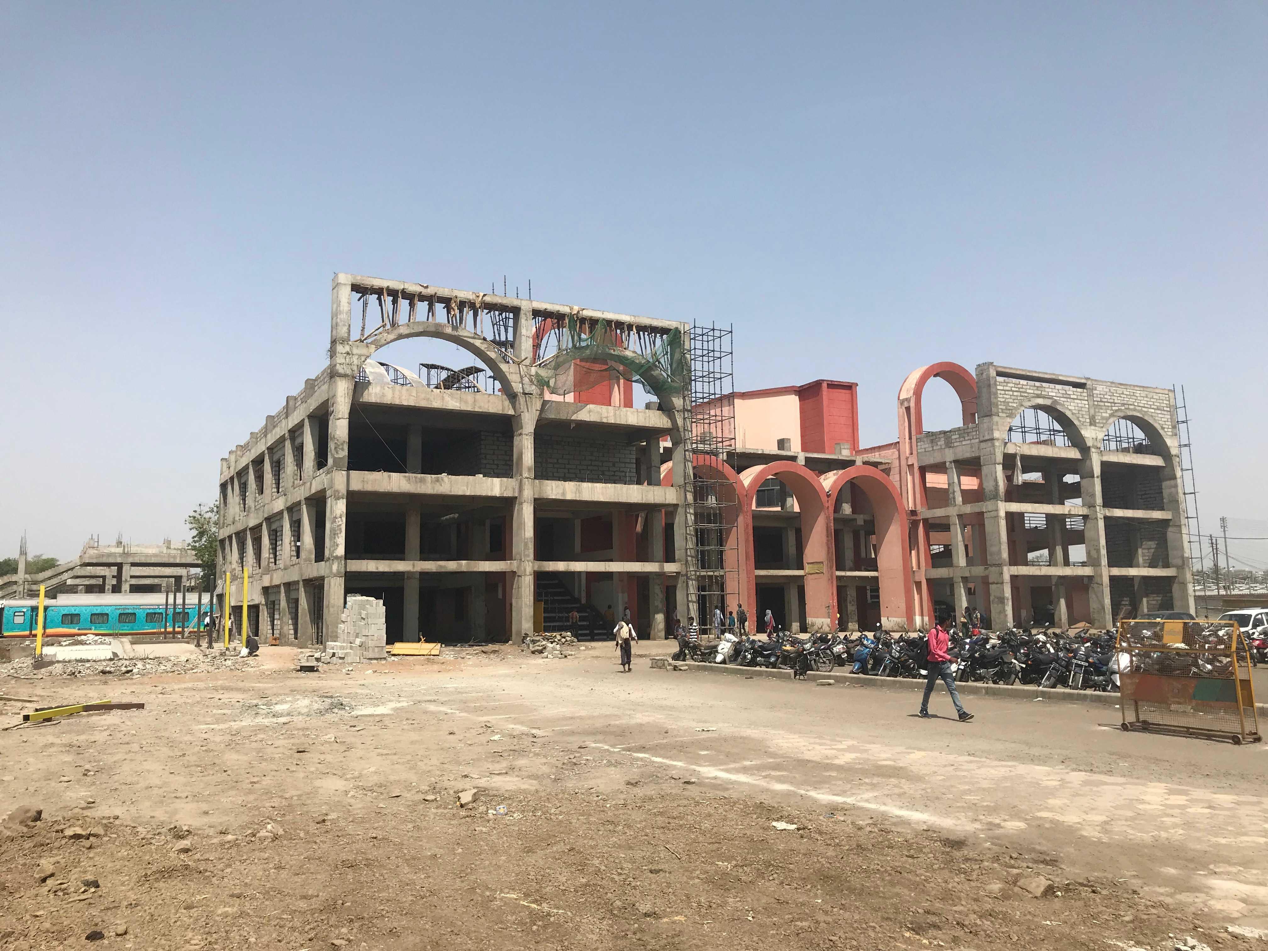 Habibganj - East Building