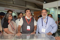 Nitin Gadkari is having meeting with other people