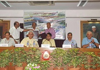 Advisor Rajiv Chaudhary with Minister Suresh Prabhu (ICT)